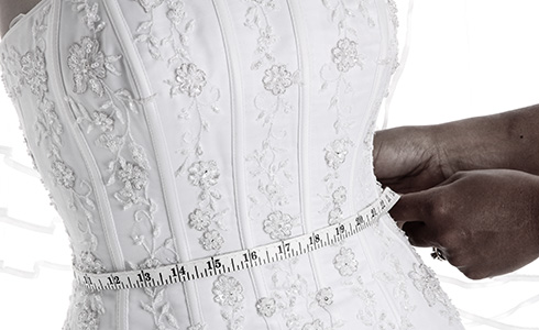 With IMPOORIA you do not just buy bridal gowns and wedding dresses only. Each client receives a customized Wedding Dresses advice on all important topics such as choosing the right size, the decrease of the dimensions for your wedding dress, how to measure and all other outstanding issues from your side regarding IMPOORIA wedding dresses.